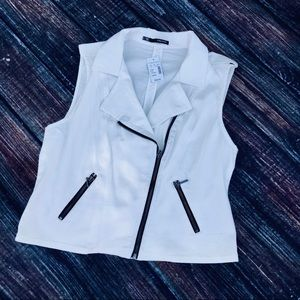 NWT Maurice's White zip front Vest
